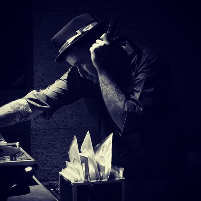 Próximo sábado 22 >>> WATUSI DANCE PARTY con: #aphonics y #helpmedevil, después a bailar alocadamente hasta las 6'30h con los djs más watusis: #DjDavidNebot y #legendarysheiks en @16toneladas_rockclub #watusidanceparty #conciertos #valencia #rock >>> CONSULTA NUESTRA WEB